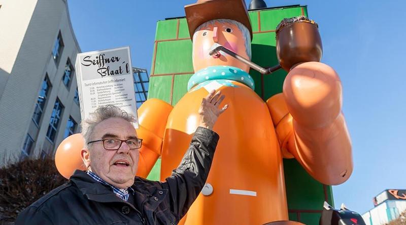 Der Größte Räuchermann steht in Chemnitz