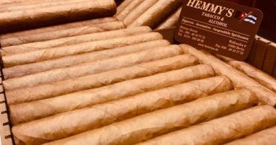 In Berlin findet der Cigarrenfreund ein attraktives Angebot an gutaufgestellten Tabakfachgeschäften. Eines davon ist Hemmy's, abgeleitet von Hemmy Garcia dem Inhaber des kleinen, feinen Genussoase rund um Cigarren und Tabak