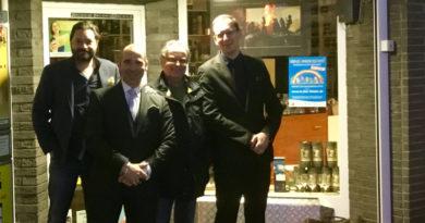 Darren Cioffi war mit Thomas Geißler (Klaus Kleinlagel) im deutschen Fachhandel unterwegs