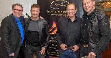 """Daniel Marshall lud zum """"Modern Day Campfire Experience"""" ein"""