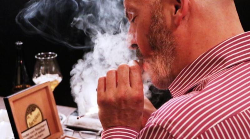 "Smoke, Grill, Drink, Chill mit ""Brick House"""