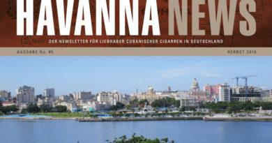 """Online und im Handel verfügbar (sp) Die 5thAvenue Products Trading-GmbH, Waldshut-Tiengen, der offizielle Alleinimporteur von Habanos und Mini Cubanos in Deutschland, ist Herausgeber der Info-Broschüre """"Havanna News"""", die einmal pro Quartal über die Produkte und das Umfeld der cubanischen Cigarrenwelt berichtet. Aktuell ist die Ausgabe No.85 der Havanna News einmal online und dann auch als Printausgabe im spezialisierten Fachhandel verfügbar. https://www.5thavenue.de/news/artikel/2479"""
